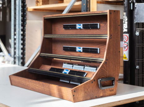 2-Many-Synths---12U-126HP-Solid-Oak-Eurorack-case-with-handles---IMG_9600