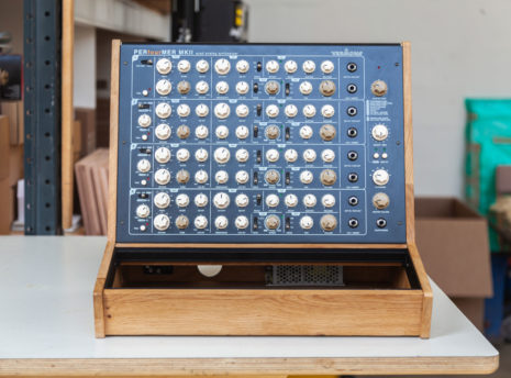 2-Many-Synths---Eurorack-84HP-&-PERfourMER-mkII-case---IMG_9650