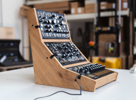 2-Many-Synths---Make-Noise-stand-for-3---IMG_9705