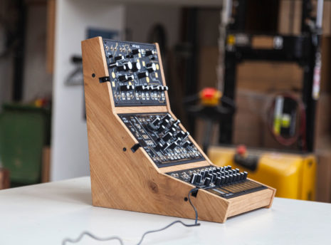 2-Many-Synths---Make-Noise-stand-for-3---IMG_9709