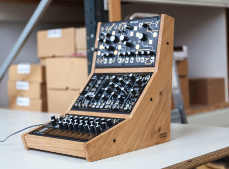 2-Many-Synths---Make-Noise-stand-for-3---IMG_9715