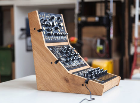 2-Many-Synths---Make-Noise-stand-for-3---IMG_9716