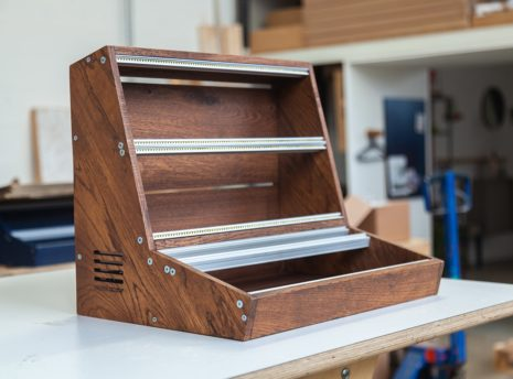 2-Many-Synths---Solid-Oak-Eurorack-case-10U-84HP-(inspired-by-EMS-VCS3)-IMG_9006