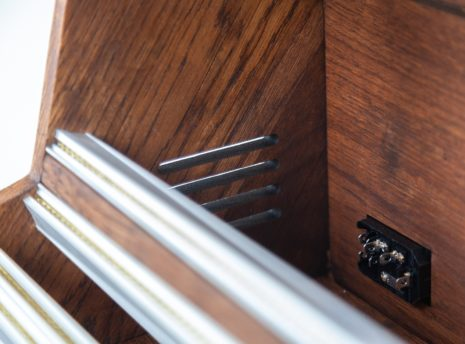 2-Many-Synths---Solid-Oak-Eurorack-case-10U-84HP-(inspired-by-EMS-VCS3)-IMG_9011