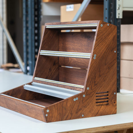 2-Many-Synths---Solid-Oak-Eurorack-case-10U-84HP-(inspired-by-EMS-VCS3)-IMG_9014