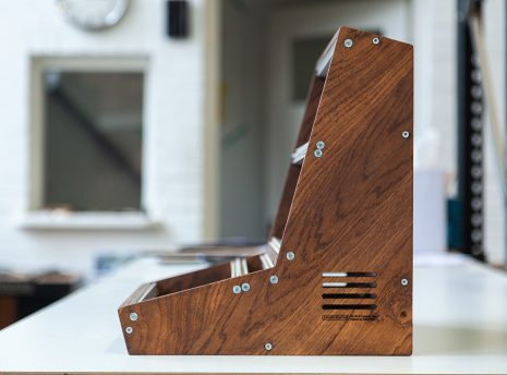2-Many-Synths---Solid-Oak-Eurorack-case-10U-84HP-(inspired-by-EMS-VCS3)-IMG_9015