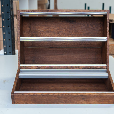 2-Many-Synths---Solid-Oak-Eurorack-case-10U-84HP-(inspired-by-EMS-VCS3)-IMG_9019