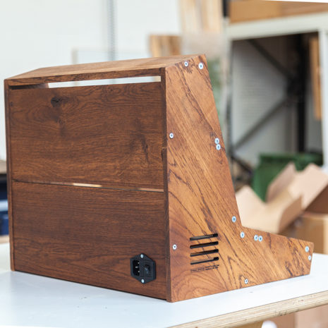 2-Many-Synths---Solid-Oak-Eurorack-case-10U-84HP-(inspired-by-EMS-VCS3)-IMG_9023