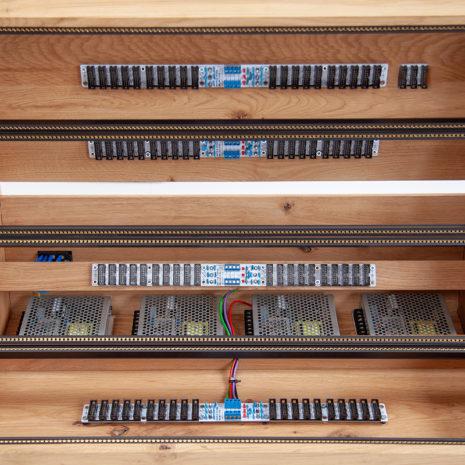 Eurorack case 12U 126HP solid Oak - 2 Many Synths - IMG_7228 web