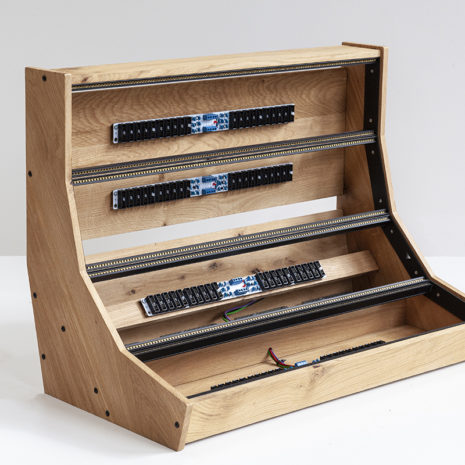 Eurorack case 12U 126HP solid Oak - 2 Many Synths - IMG_7245 web