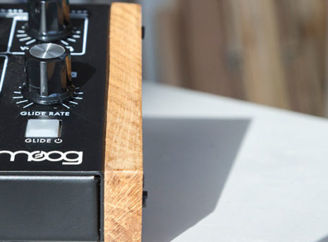 Moog Minitaur - 2 Many Synths - solid Oak side panels (1)