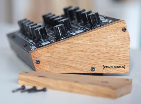 Moog Minitaur - 2 Many Synths - solid Oak side panels (8)