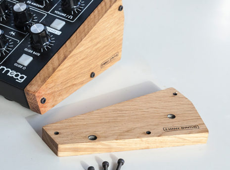 Moog Minitaur - 2 Many Synths - solid Oak side panels (9)